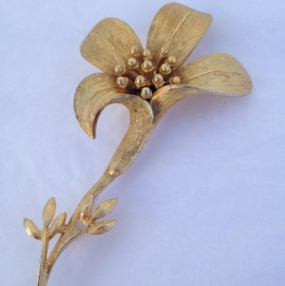 35559f5ba Vintage Jewelry   Large Gold Tone Flower Brooch Bsk   Poshmark